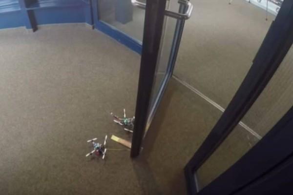 Τέλειο: Ρομπότ που μπορεί να ανοίξει μόνο του πόρτες! (Video)