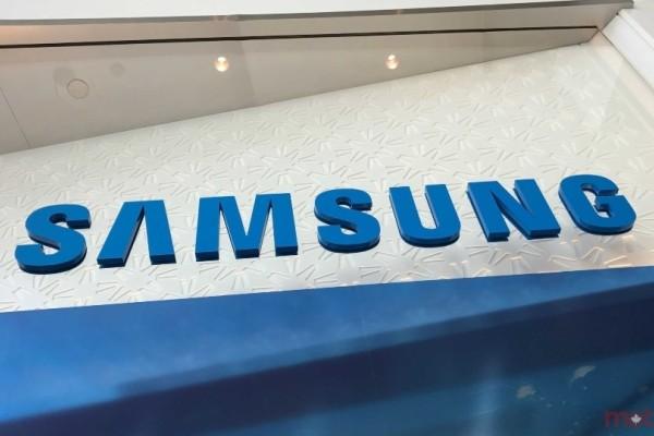 Samsung: Γιατί ζήτησε από τους χρήστες να μην χρησιμοποιούν προστατευτικά οθόνης; (Βίντεο)