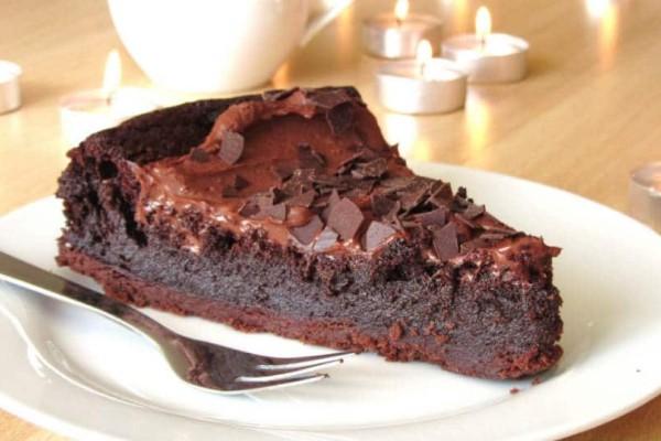 Συνταγή για ζουμερή σοκολατόπιτα!