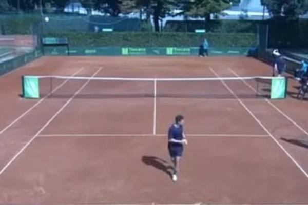 Τραγικό: Παρενόχληση ανήλικης σε αγώνα τένις από τον διαιτητή!