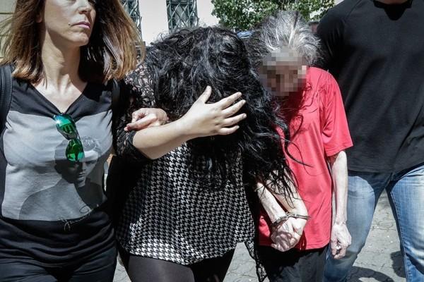 Παιδοκτονία στην Πετρούπολη: Σοκάρει η κατάθεση της 19χρονης μάνας που πέταξε το μωρό της στα σκουπίδια!