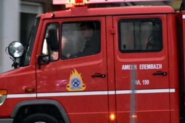 Προσοχή: Φωτιά κοντά στον προαστιακό στο Κορωπί!