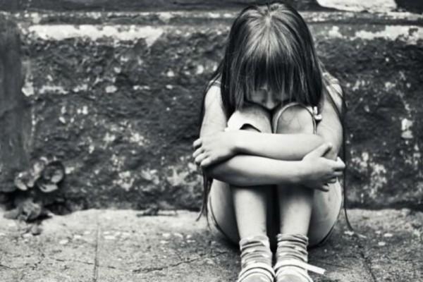 Φρίκη με τον βιασμό της 12χρονης στη Μάνη: Εκτός από τον ιερέα - γκόμενο της μάνας, την βίαζε και ο παππούς της! Η γιαγιά ήξερε τα πάντα