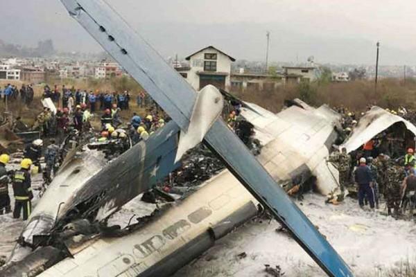 Ανείπωτη θλίψη: 19 νεκροί από συντριβή αεροσκάφους!