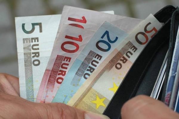 Κοινωνικό Μέρισμα: Όνειρο ήταν και πάει! Τα ποσά των 500+ ευρώ κάνουν φτερά