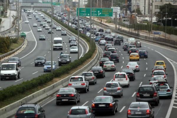 Χάος στου δρόμους της Αθήνας: Μεγάλη ταλαιπωρία για τους οδηγούς λόγω Black Friday!