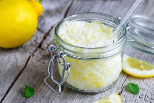 Αυτός είναι ο λόγος που πρέπει να τρως λεμόνι με αλάτι!