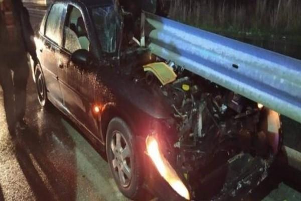 Τρομακτικό τροχαίο στην Εθνική Τρικάλων - Λάρισα: Από θαύμα σώθηκε ο οδηγός!