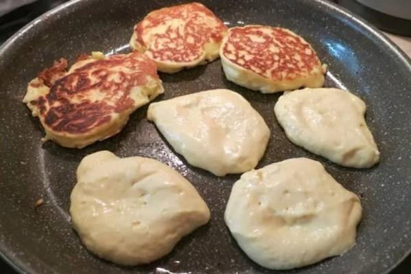 Τηγανίτες γιαουρτιού της γιαγιάς με 4 υλικά!