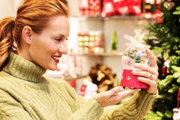 Ελεονώρα Μελέτη: Στόλισε το πιο ωραίο χριστουγεννιάτικο δέντρο που έχουμε δει ποτέ!