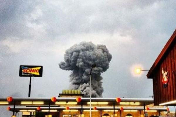 Τέξας: Ισχυρή έκρηξη σε εργοστάσιο χημικών! (photos + video)