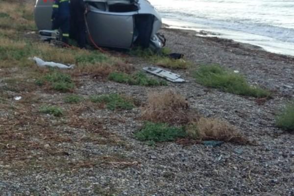 Τροχαίο στην Κόρινθο: Αυτοκίνητο χτύπησε σε κολόνα και κατέληξε σε παραλία!