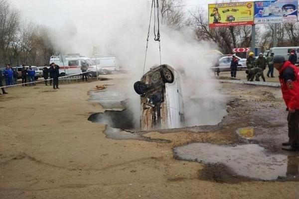Ρωσία: Δύο άνθρωποι κάηκαν ζωντανοί μέσα στο αυτοκίνητο τους!