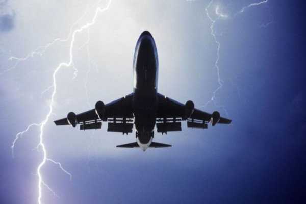 Θρίλερ σε πτήση για Κρήτη: Αεροπλάνο δεν κατάφερε να προσγειωθεί στο Ηράκλειο! (photos)