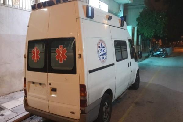 Συναγερμός: Ασθενοφόρο με πλαστές πινακίδες έξω από το σπίτι του Χρυσοχοΐδη!