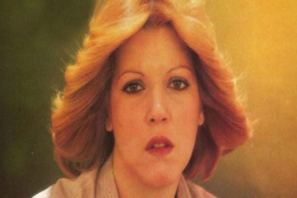 Άταφη, στα ψυγεία του νεκροτομείου η σορός της τραγουδίστριας Ρένας Πάντα!