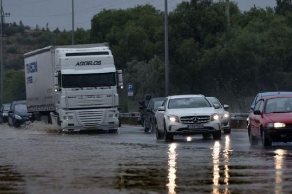 Αθηνών-Κορίνθου: Δόθηκε στην κυκλοφορία το ρεύμα προς Αθήνα μετά από 10 ώρες!