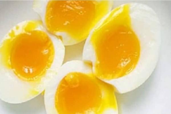 Ένας άντρας πέθανε αφού έφαγε 42 αυγά για ένα στοίχημα!