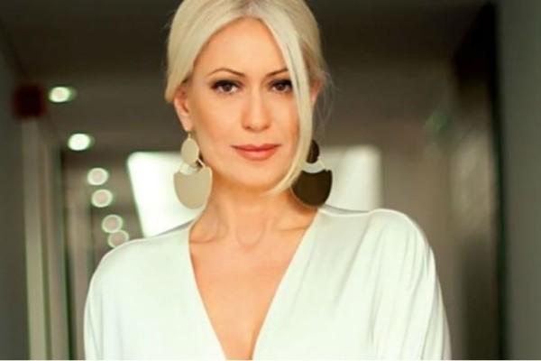 Μαρία Μπακοδήμου: Στάζει