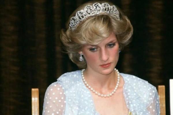 Πριγκίπισσα Νταϊάνα: Αυτός είναι ο άγνωστος αδερφός της!