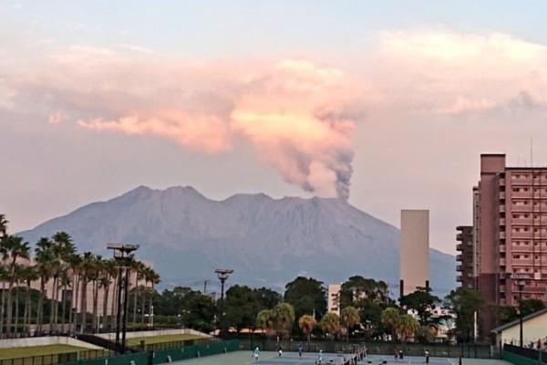 Σοκαριστικό: Ηφαίστειο εξερράγη στην Ιαπωνία!