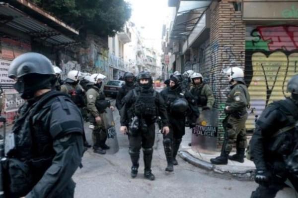Αστυνομική επιχείρηση στα Εξάρχεια! (Video)