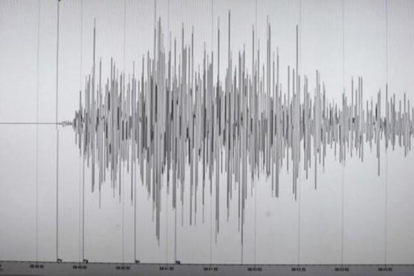 Σεισμός 7,4 Ρίχτερ στην Ινδονησία! Φόβος για τσουνάμι!