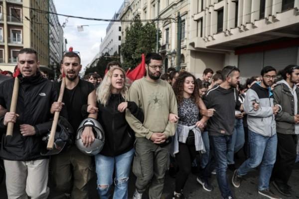 Στους δρόμους ξανά οι φοιτητές! Διαμαρτύρονται για το νομοσχέδιο του Υπουργείου Παιδείας! (Video)