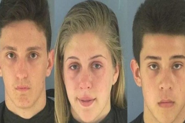 Τρεις σερβιτόροι συνελήφθησαν, όταν το αφεντικό, τους είδε σε αυτό το βίντεο να φτύνουν στο φαγητό δυο βουλευτών.