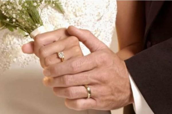 Αυτό δεν το περιμέναμε: Ξαφνικός γάμος για πασίγνωστη Ελληνίδα τραγουδίστρια!