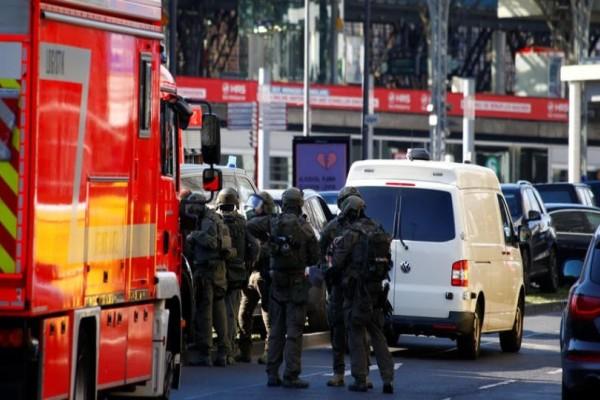 Συναγερμός στην Γερμανία: Σε εξέλιξη ομηρία!
