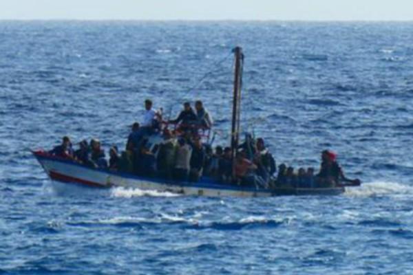 Ιταλία: 20 αγνοούμενοι μετανάστες μετά από ναυάγιο!