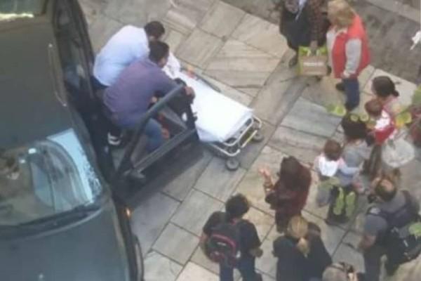 Συναγερμός στην Ακρόπολη: Αυτοκίνητο έπεσε πάνω σε κολωνάκια!