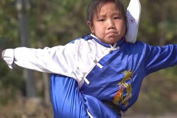 Απίστετυη 9χρονη εντυπωσιάζει με τις ικανότητές της στο κουνγκ φου! (Video)