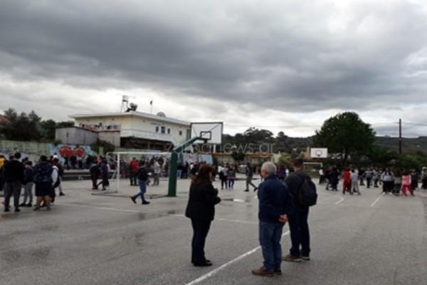 Κλείνουν τα σχολεία στην Κρήτη! Στους δρόμους οι μαθητές των Χανίων μετά τον σεισμό των 6,1 Ρίχτερ!