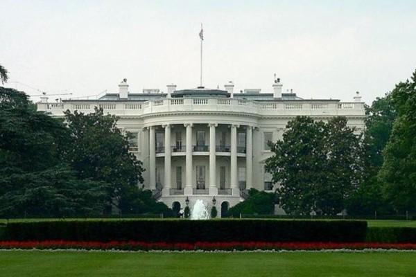 Τρόμος στις ΗΠΑ: Ύποπτο αεροσκάφος πάνω από τον Λευκό Οίκο! (Video)
