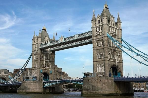 Συναγερμός στο Λονδίνο! Πυροβολισμοί στη London Bridge!