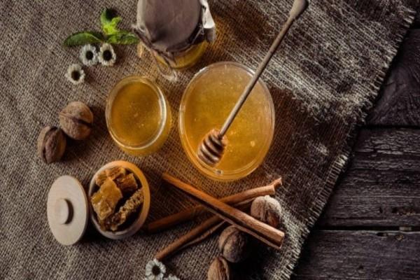Μέλι και κανέλα: Θεραπεύει τον καρκίνο, την χοληστερίνη και άλλες 10 ασθένειες!