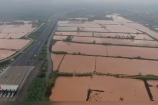 Καταστροφικές πλημμύρες
