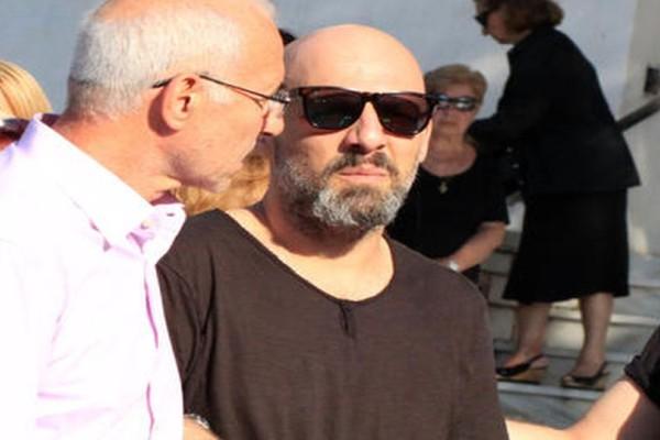 Τραγωδία για τον Νίκο Μουτσινά: Τριπλός θάνατος τον βύθισε στον πένθος!