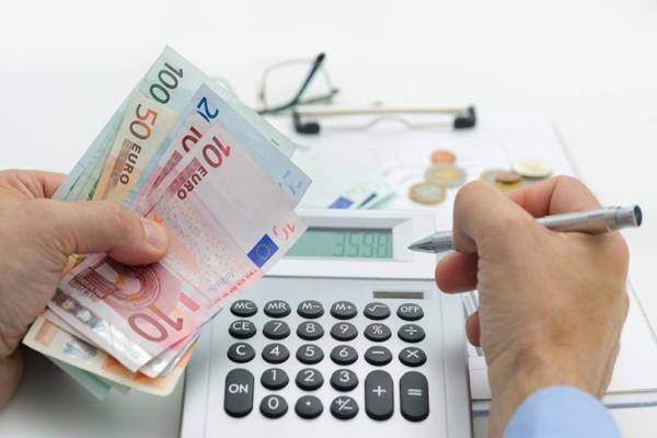 ΣΕΛΠΕ: 3/4 νοικοκυριά ξοδεύουν το 80% σε λογαριασμούς και φόρους!