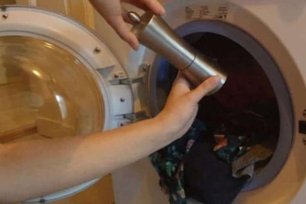 Πήρε ξύδι και το έβαλε στο πλυντήριο - Αυτό που συνέβη μετά θα το κάνετε και εσείς για πάντα!