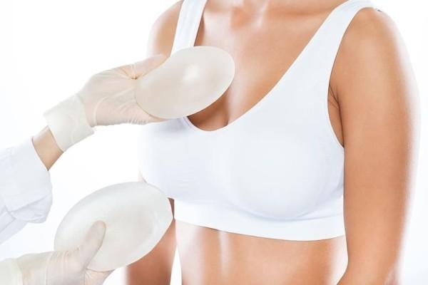 Προσοχή: Για ποιον τύπο καρκίνου ευθύνονται τα εμφυτεύματα για πλαστικές επεμβάσεις στο στήθος!