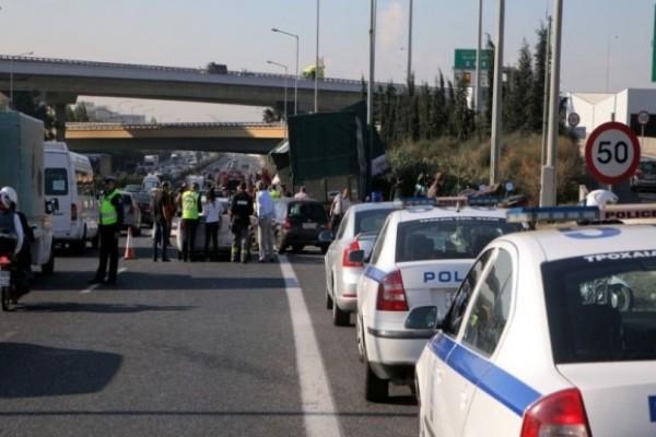 Σοβαρό τροχαίο στην εθνική οδό Αθηνών-Λαμίας! Συγκρούστηκαν 3 αυτοκίνητα!