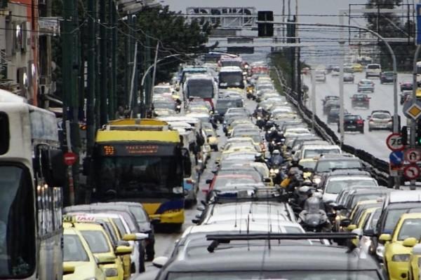 Νέο μποτιλιάρισμα στους δρόμους: Στο «κόκκινο» η κίνηση! (photo)