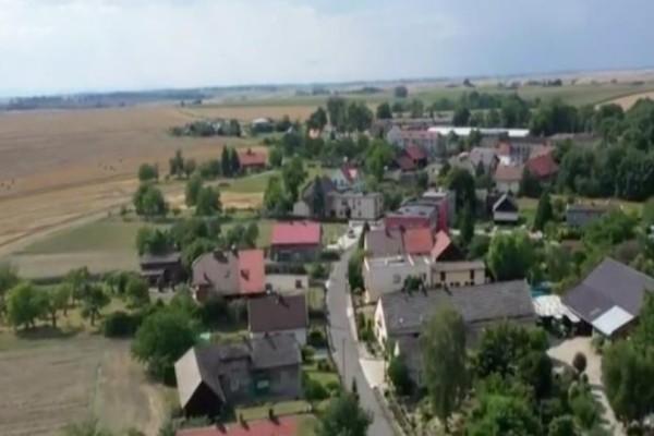 Σοκ: Το χωριό που δεν έχει γεννηθεί αγόρι τα τελευταία 10 χρόνια! (Video)