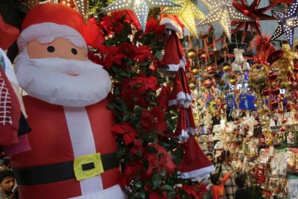Εορταστικό ωράριο: Τι ώρα κλείνουν τα μαγαζιά, σήμερα παραμονή Χριστουγέννων;