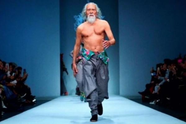 Ο πιο σέξι παππούς είναι 80 χρονών και περπατάει σε πασαρέλες!