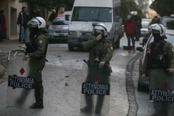 Κουκάκι: Ελεύθεροι αφέθηκαν οι εννέα καταληψίες!