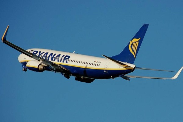 Τρελή προσφορά Ryanair: Εισιτήρια μόνο με 13 ευρώ!